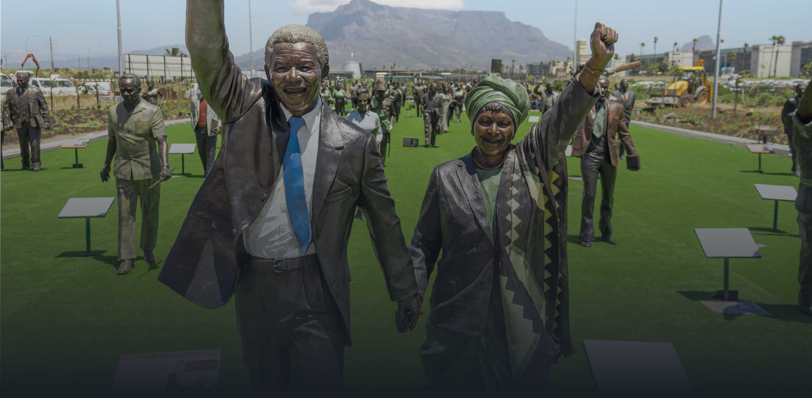 Statues of Nelson and Wini Mandela